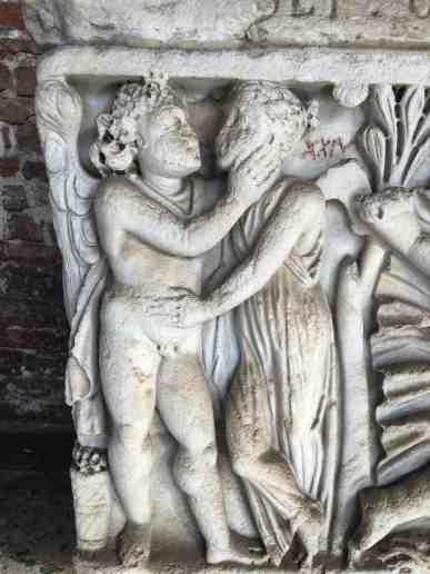 sarcophage-2